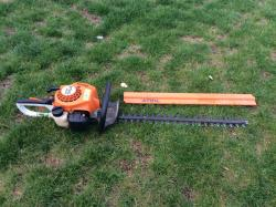 Taille-Haie Thermique STIHL HS45-image1
