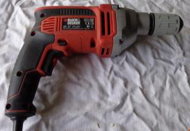 perceuse black et decker 750W-image1